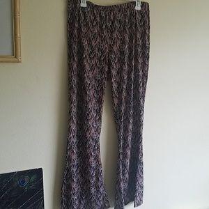 Xhileration stretchy bellbottlom hippy pants XL